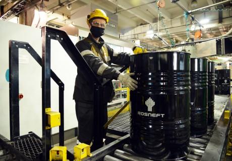 Моторное масло Rosneft Revolux по итогам испытаний показало стабильность характеристик при увеличенном пробеге